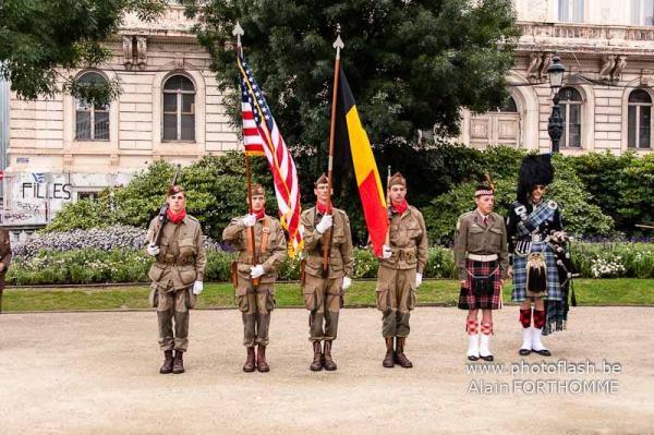 la garde couleurs de la 377th Field Artillery